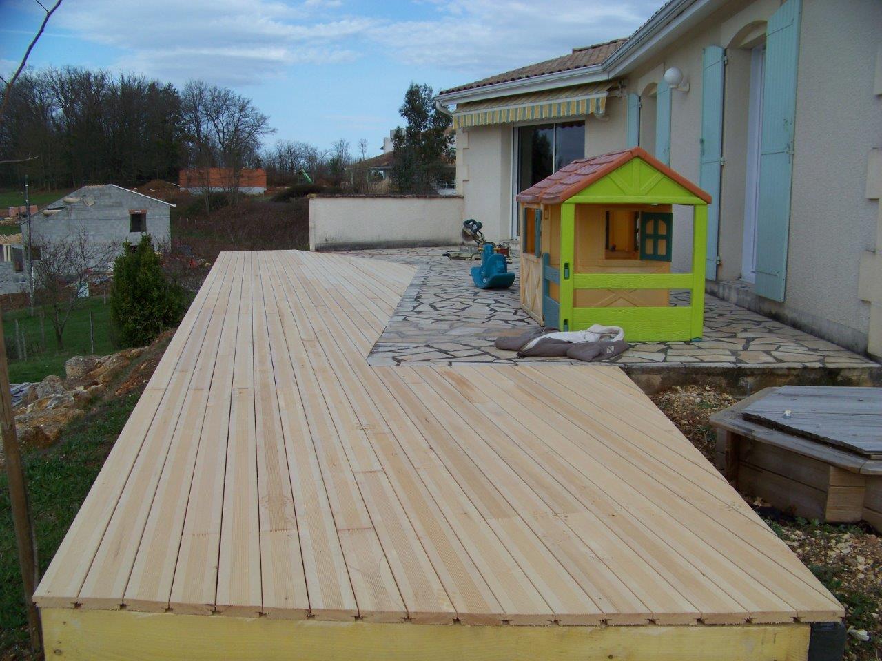 Nivrem com = Construction Terrasse Bois Sur Gazon ~ Diverses idées de conception de patio en  # Construction Terrasse Bois