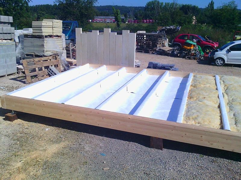 Cabanon isol rev tements modernes du toit - Comment isoler un plancher bois ...